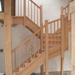 Oak staircase with segmented winder string
